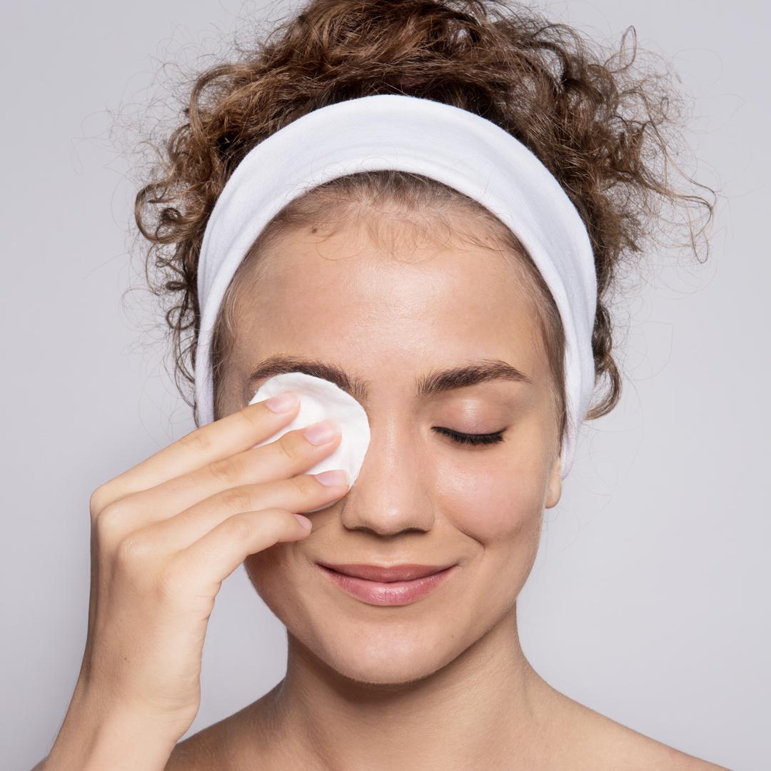 awganic-refreshing-cleansing-water-removes-waterproof-makeup-2