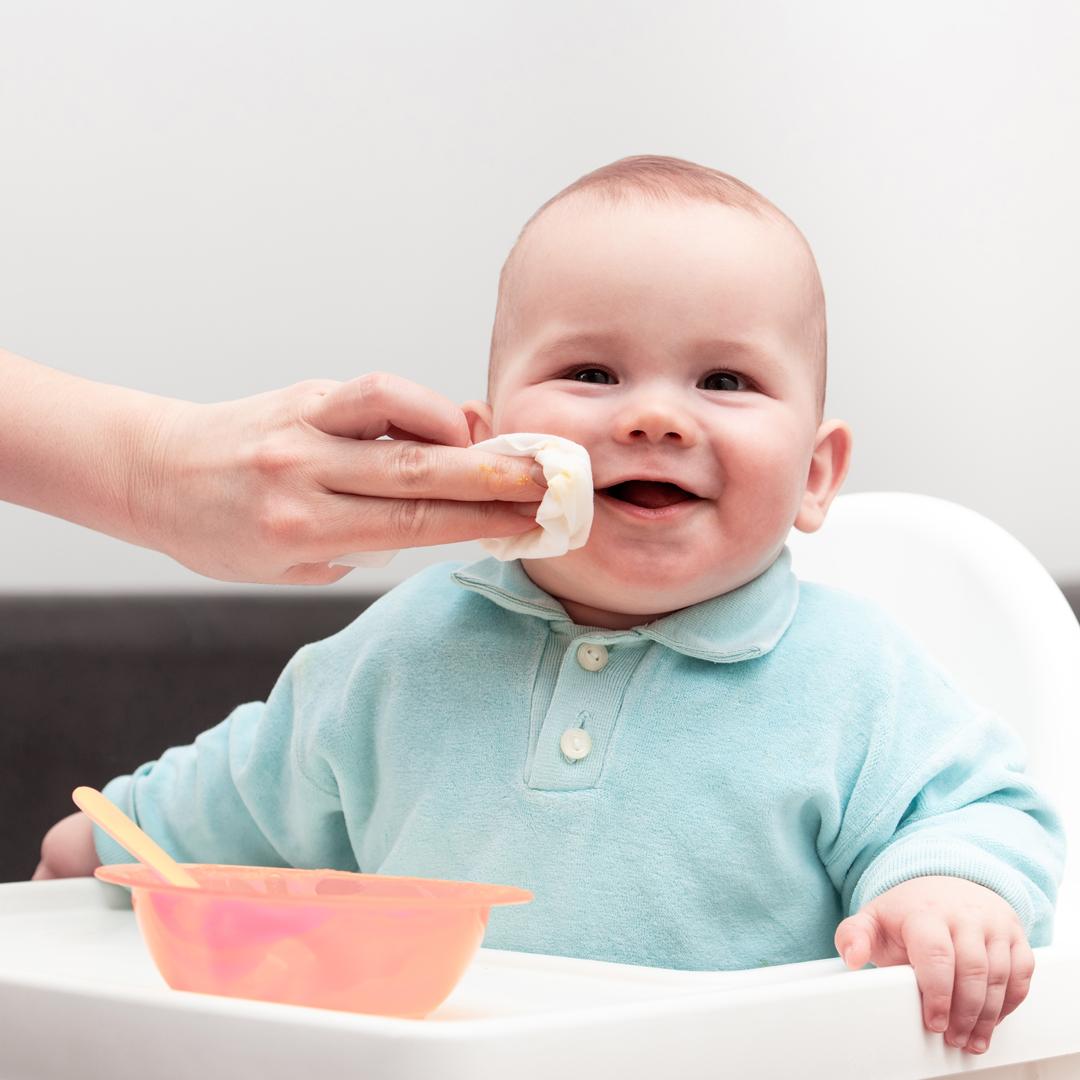 rawganci-baby-wipe-face